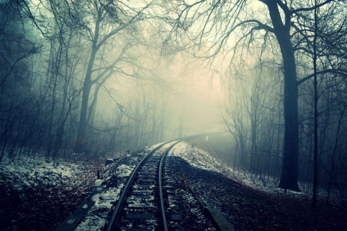 traintracks_into_mist